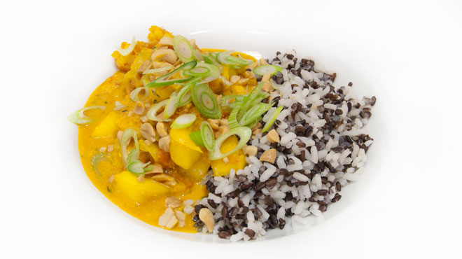 Curry indio con langostinos y mango